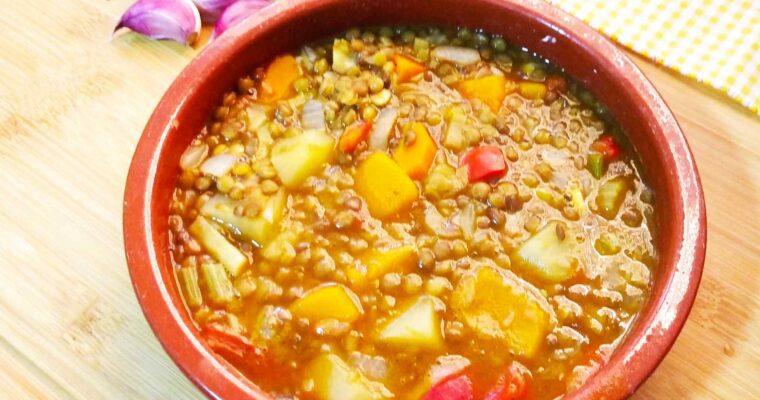 Guiso de lentejas vegano sabor a chorizo